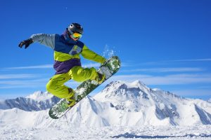 Best Snowboard Gloves for a Fun and Safe Activity