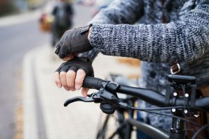 Do Fingerless Gloves Keep You Warm? How Exactly?