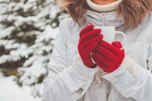 Are Mittens or Gloves Warmer: Keeping Your Hands Warm This Winter!